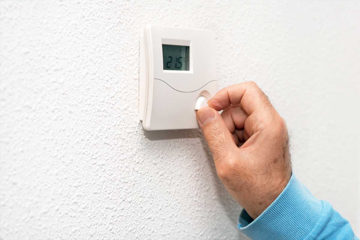 What's the Difference between Smart and Programmable Thermostats?